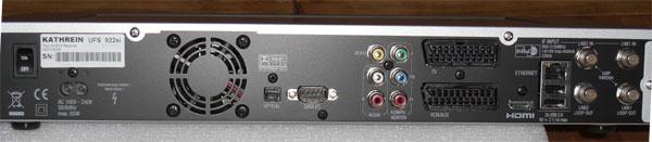 Die Rückseite des UFS-922 gibt einiges her