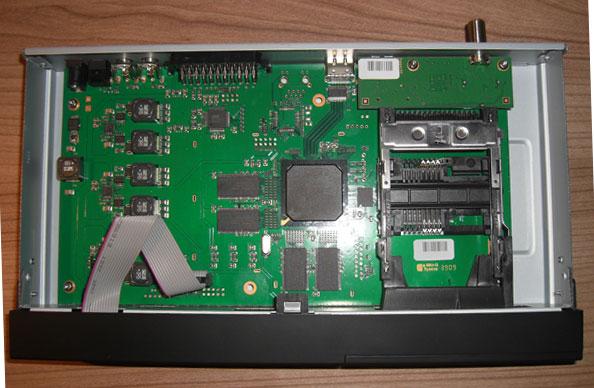 Das Innenleben des TechnoTrend TT-micro S835 HD+